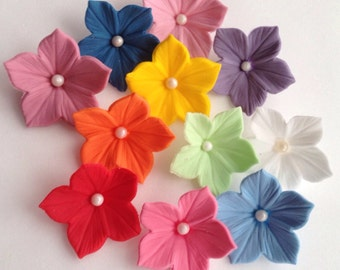 20 x handmade sugar petunia flowers. Made to order in any colour you like.