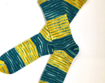 Handmade Wool Socks 455 -- Men's Size 12-14