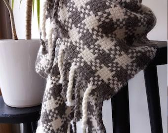 Thick, handwoven, alpaca scarf
