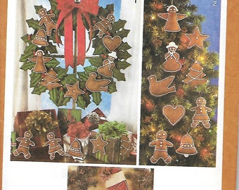 Simplicity 9648 Christmas Gingerbread Ornaments, Wreath And Stockings,  UNCUT
