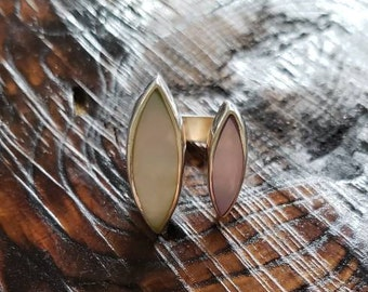 Sterling Silver Mother of pearl ring!