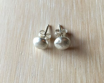 Pebble studs in solid sterling silver