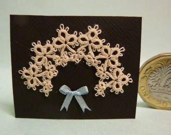 Handmade 1/12 th scale tatted collar for dolls house doll by Josephine