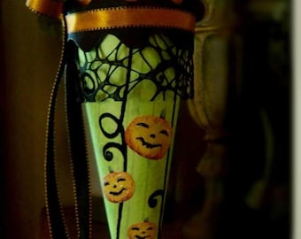 Tutorial for creating Victorian Cones, with lots of photos , including Fall and Halloween - EHAG