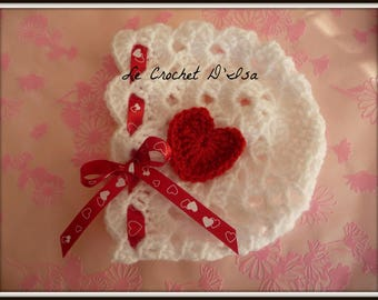 LITTLE 3 VALENTINE HEARTS BABY BONNET