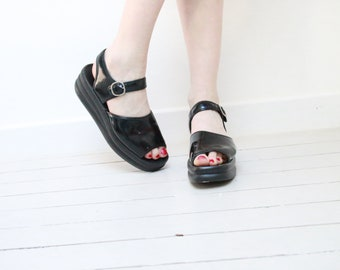 90's Vintage Platform Flat Shoes Open Toe Chunky Sole Wedge Slingblack Sandals Black Patent vegan leather Soft Grunge / EU 39 US 7.5 UK 5.5