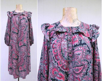 Vintage 1980s Dress / 80s Black Paisley Pinafore Folk Dress / Medium
