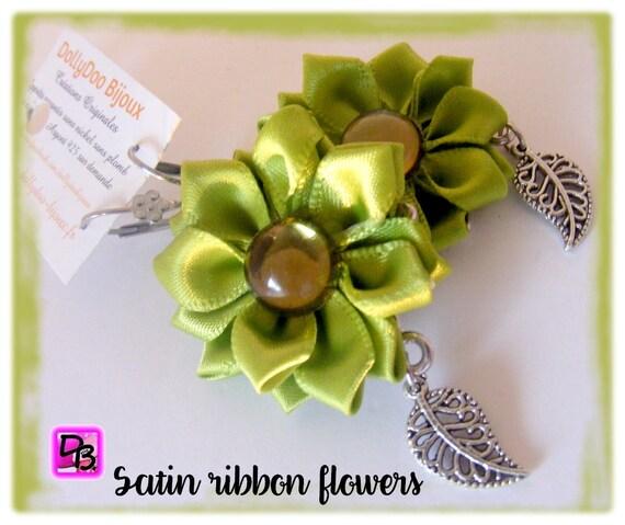 Boucles d'oreilles [Fleurs vert anis]