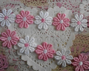 Lace flowers pink and white polyester that can be carved 2.50 cm in diameter (10 flowers).