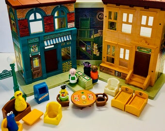 Vintage Fisher Price Sesame Street, 1970's Play Family Sesame Street Villa. With Accessories Including Little People. ALMOST COMPLETE