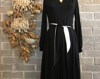 1970s dress vintage dress black and white dress long sleeve dress slinky dress 36 bust herman marcus dress 28 waist disco dress