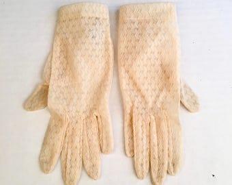 Ivory Cream Lace Ladies Gloves 6.5 Western Germany RH Macy 50s Vintage Wedding Bridal Ecru Off White