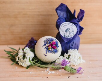 All natural Honey & Lavender Bath bomb, beautifully aromatic, children safe. Spa and relaxation Bath and Beauty