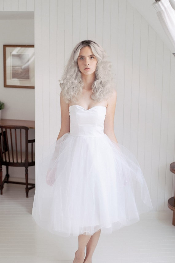 Tulle wedding dress /Short wedding dress/ Retro Strapless
