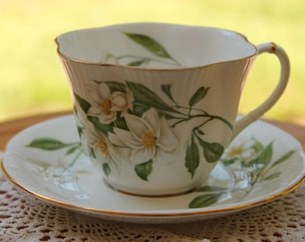 ROYAL ALBERT Bone China Teacup and Saucer Set