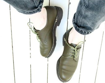 French Vintage 1990s Khaki Olive green leather lace up flat derby oxford brogue Soft Grunge chunky sole early 90's mint Size 7 EU 38 UK 5