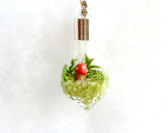 Nature Jewelry, Woodland Necklace, Terrarium Necklace, Moss Terrarium, Heart Pendant