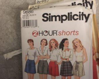 2 Simplicity Sewing Patterns # 9686 Shorts & # 9587 Pullover Tops SIZES 6-14 UNCUT