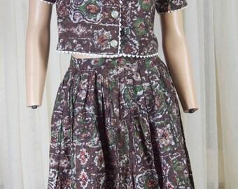 Montgomery Ward 2 piece skirt set. Browns, reds, greens. Rockabilly, playful, feminine. Approx size small