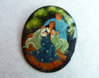 hand painted oval brooch * 5 cm * USSR