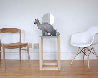 Side Table / Modern Table / Concrete Table / Beton / Industrial / Minimalism / Table / Brutalism