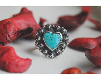 The Sweet Heart statement ring