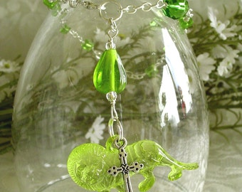 Apple Green Lion with Cross Anglican Rosary Bracelet - August Birthstone