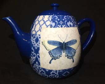 Unique BUTTERFLY Ceramic Teapot Certified International Blue and White Kettle