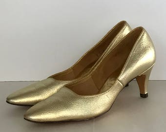 Gold Leather Pumps point toe kitten heel 50s 60s sz 7