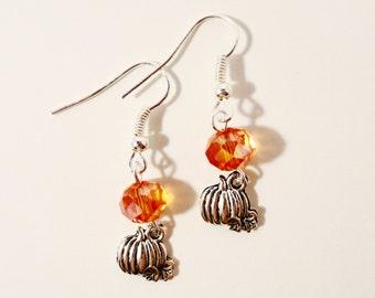 Kürbis Ohrringe mit Orange Kristall-Perlen, Kürbis Charme Ohrringe, Halloween-Ohrringe, Perlen Ohrringe, Ohrringe