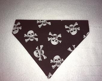 Halloween slip on skull and crossbones bandana