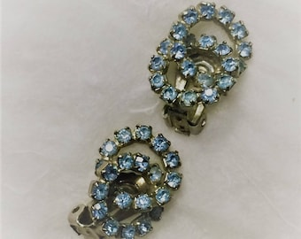 Blue Rhinestone Earrings For the Bride, Vintage Rhinestone Jewelry, Blue Rhinestone Clip On Earrings Gift for Her,