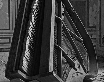 Lee Plaza Piano