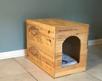 Reclaimed/Re-purposed wine crate pet bed or litter box