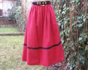 Woolen Skirt / Wool Skirt / Skirt Vintage / Warmer / Red / Black / Full / Size EUR40 / 42 / UK12 / 14