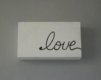 Table Topper Love Block