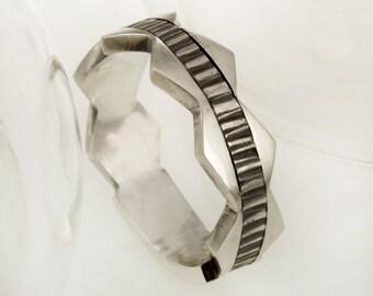 Unique Mens Wedding Band, Men's Ring, Rustic mens ring, Silver Men's ring, Gift for men, Engagement Ring, Wedding band for men,  RS-1133