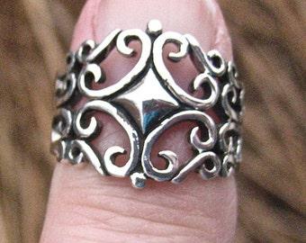 Ornate Vintage 925 Sterling Silver Filagree Ring
