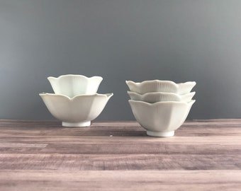 Vintage Lotus Bowls, Vintage Japanese Lotus Bowls Set of 5, Vintage White Lotus Bowls One Large Four Small Bowls