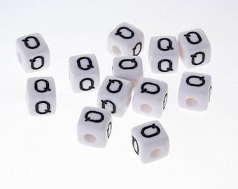 "5 Pearl White acrylic 10mm Bracelet, jewelry Alphabet letter ""Q"", pacifier clip"