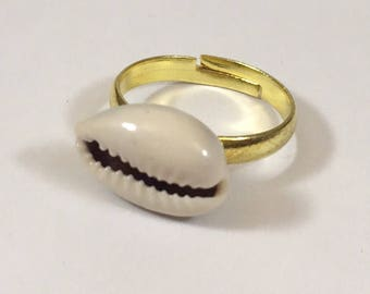 Cowrie shell gold band ring
