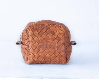 Dopp kit in handwoven brown leather, toiletry case makeup bag accessory bag cosmetic case travel case utility bag travel case - Cube