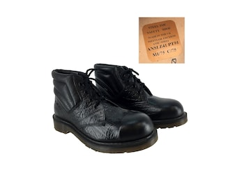 Vintage 70s - 80s Mens Black Leather Steel-Toe Dr. Martens 6 Inch Boots Size 7 (UK Size 6) // England Made // 1970s // Docs // Doc Martens