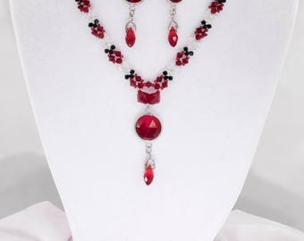 Red Black and White Delicate classic beaded necklace with pendant and earrings