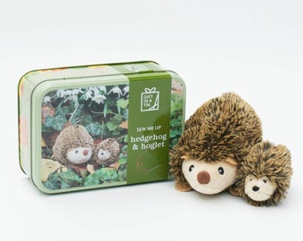 Kids craft kit - kids learn to sew a hedgehog & hoglet - kids craft kit - childrens birthday craft gift - kids sewing kit