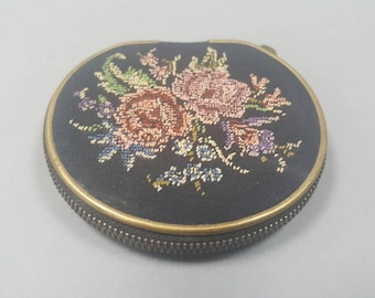 Retro Powder Compact, Petit Point Compact, Compact Mirror, Vintage Compact, Pocket Mirror, Gifts for Her