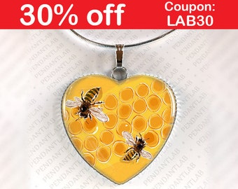 Honey Bees Heart Pendant, Bee Jewelry, Bee Necklace, Honey Necklace, Bee Charm, Gift for Friend, Yellow Necklace, Gift for Mum, Grandma