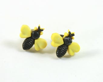 Bee studs, Bee earrings, Bee jewelry, Humming bee earrings, Humming bee studs, Bug earrings, Bug studs