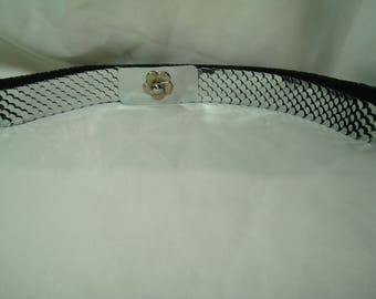 Vintage Silver Tone Stretchy Metal Belt with Flower Buckle.