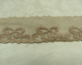 LACE of CALAIS - 4 cm - Brown embroidered on tulle